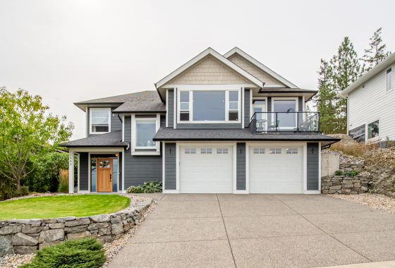Single Family House in Enderby, BC